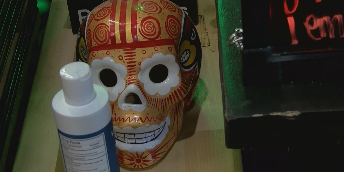 Louisville eatery helps families celebrate Día de los Muertos, as COVID-19 forces some to adapt