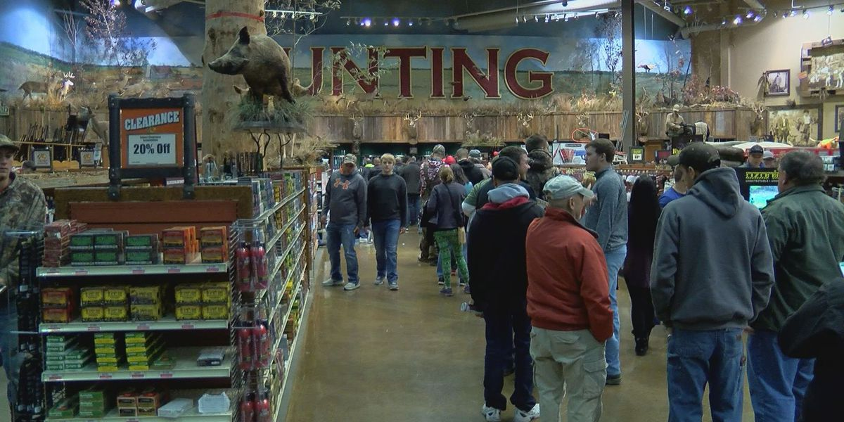 WAVE Country shoppers out in full force for Black Friday