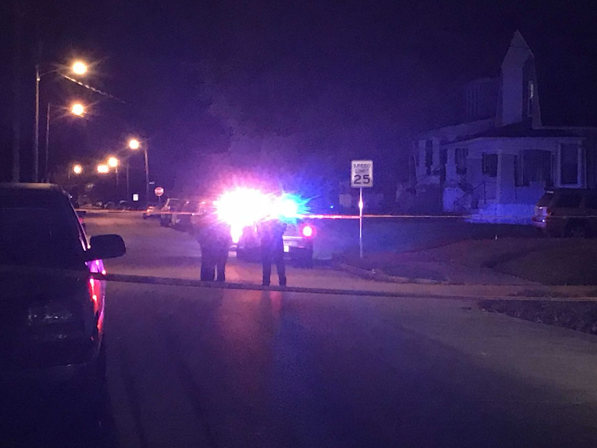 Man shot in Shawnee neighborhood