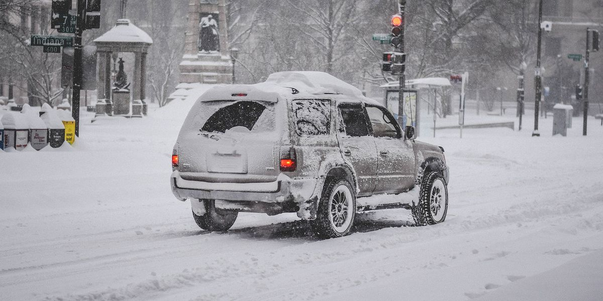 Behind the Forecast: Flake News: How snow-to-liquid ratios impact snow type, totals