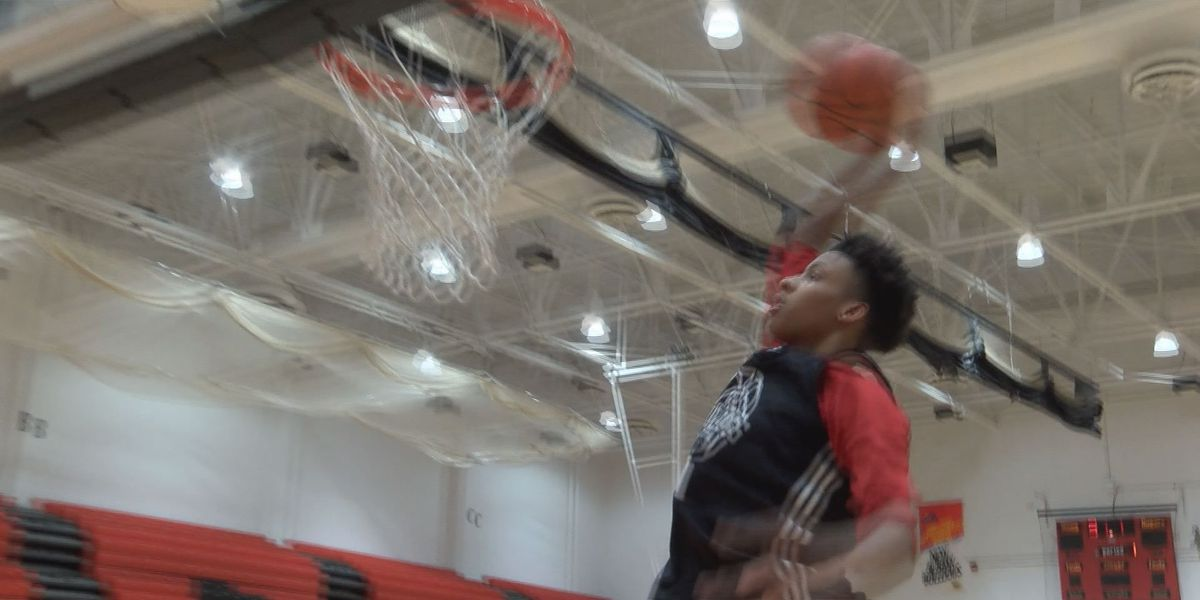 New Albany sophomore is Turning Heads