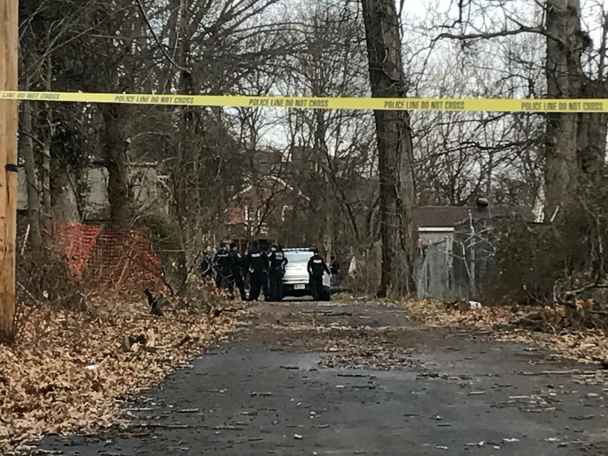 Man found burned in west Louisville alley identified