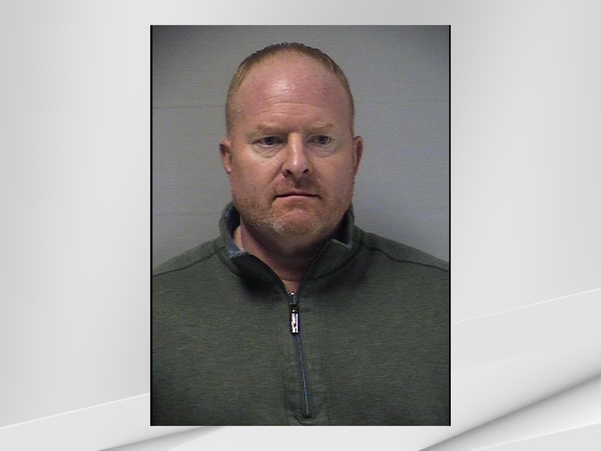 Former LMPD detective indicted with perjury for charging wrong employee in restaurant theft
