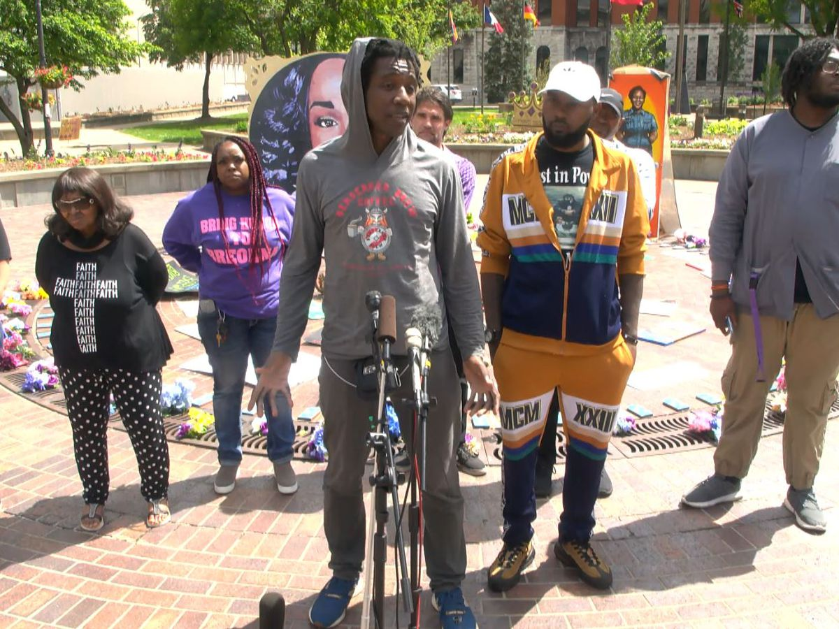 Protesters request sit down meeting with Louisville mayor, LMPD chief