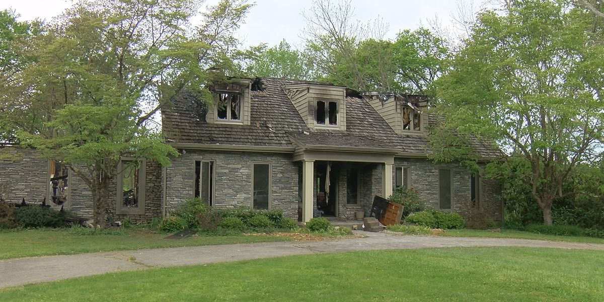 One dead in Oldham County house fire