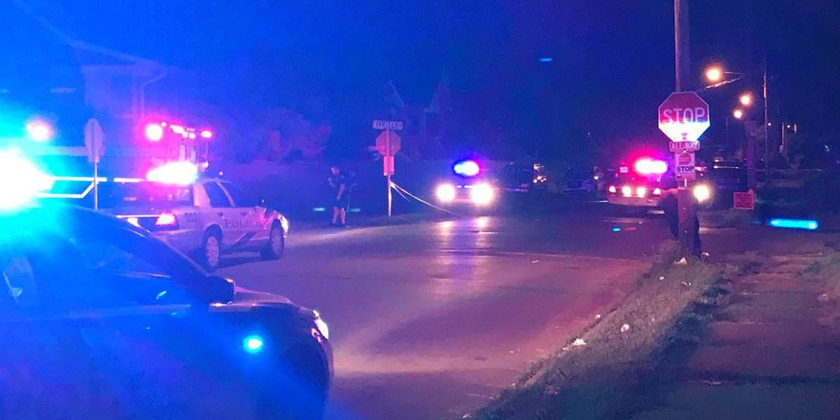2 shot in Shawnee neighborhood
