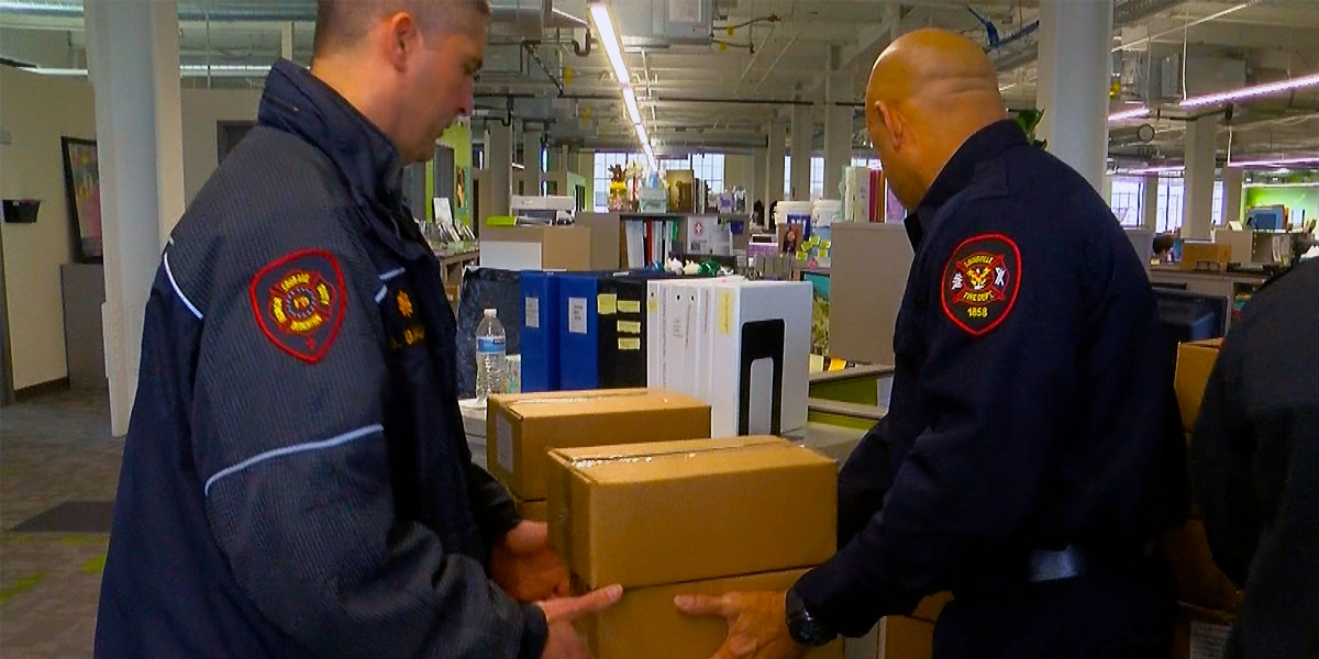 LFD firefighters double Meals on Wheels deliveries as home check-ups