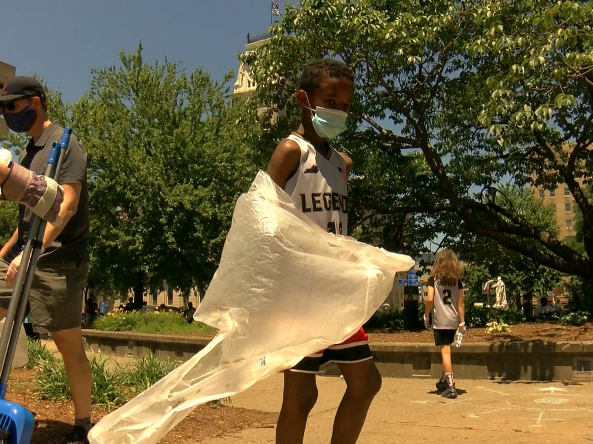 Streets of downtown Louisville cleaned after protests