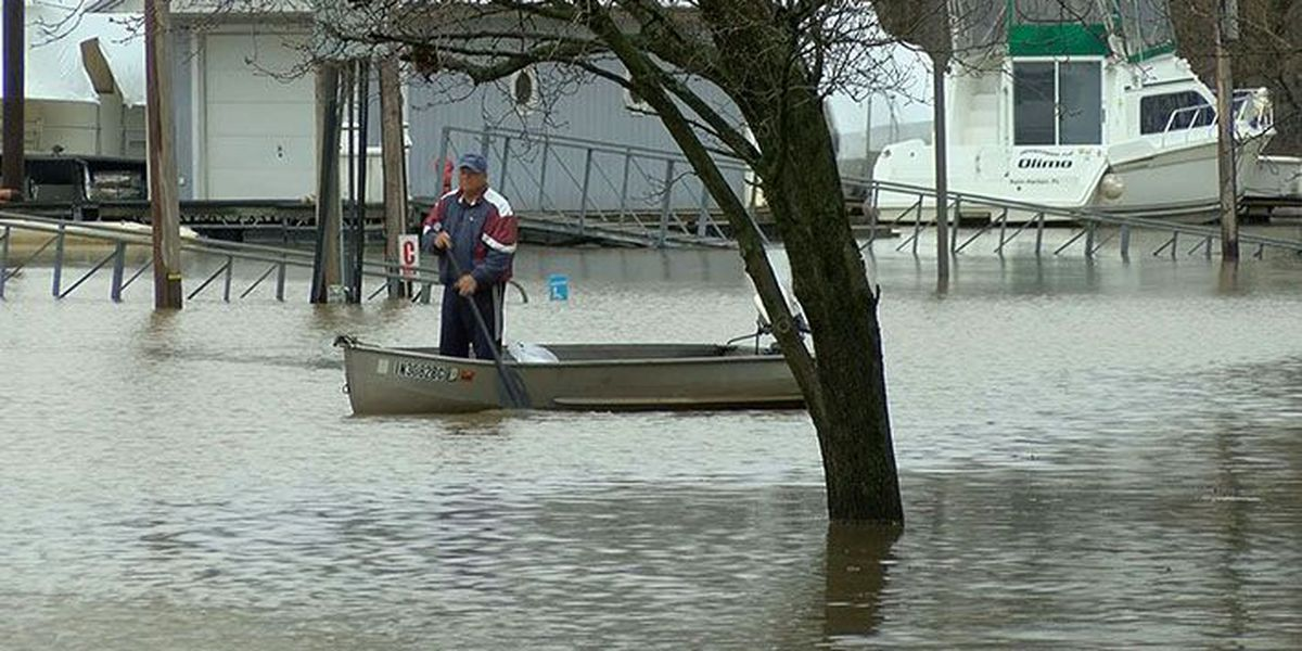 High water on Ohio tough on some businesses while keeping others busy