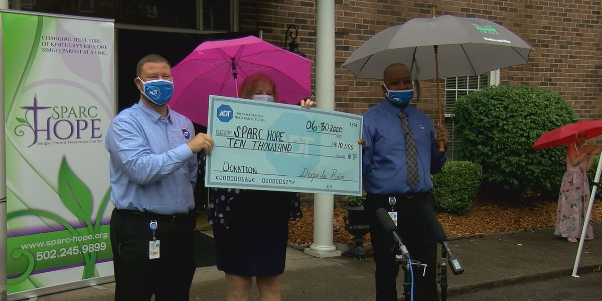 Local organization receives $10,000 to help single-parent families