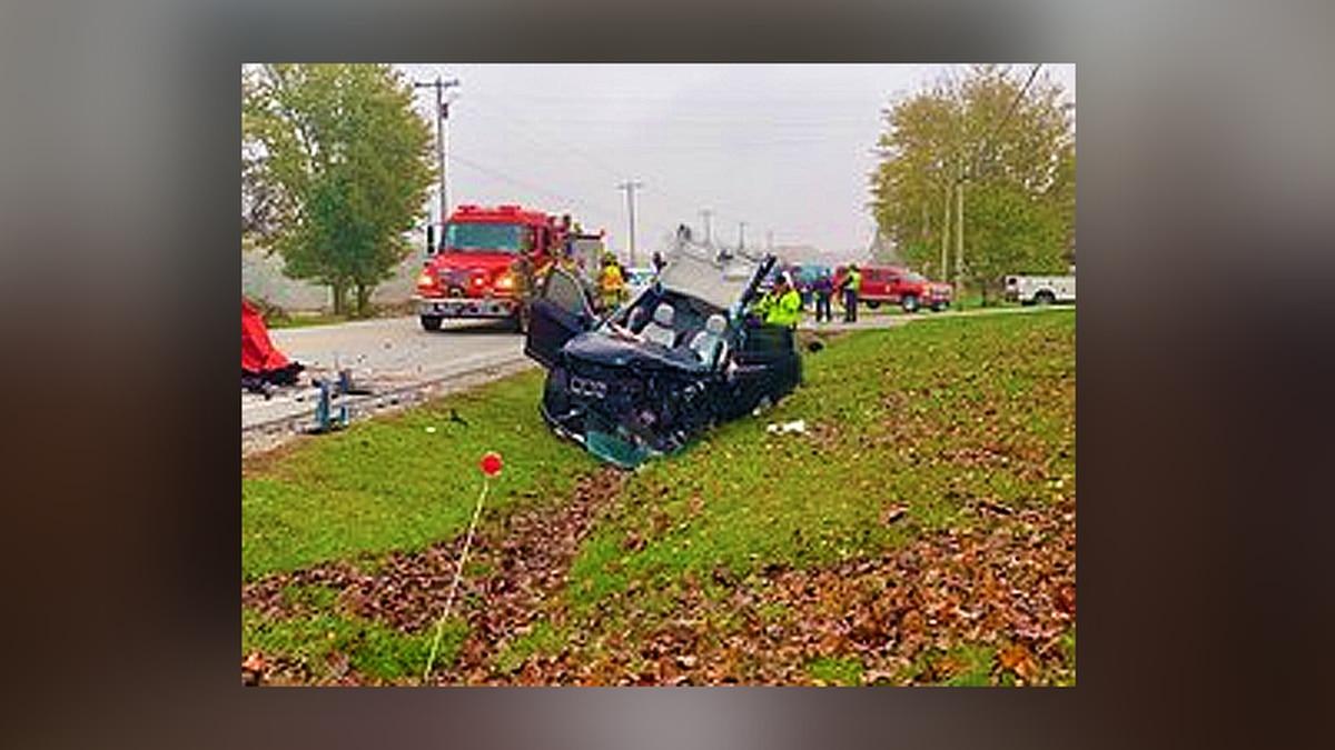 ISP investigating deadly 2-car crash near Salem