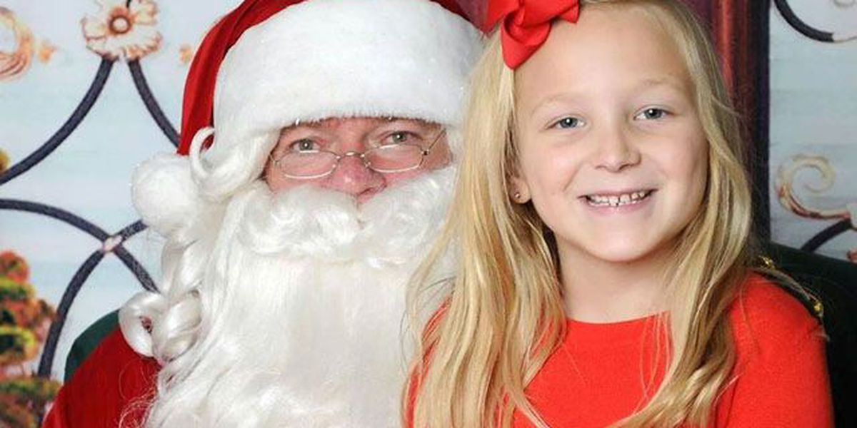 FROM OUR VIEWERS: Kids visit Santa for the holidays!