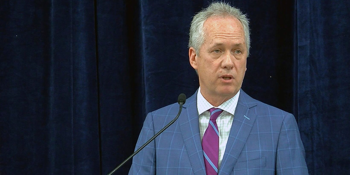 Mayor Fischer addresses future of TARC following chief's resignation