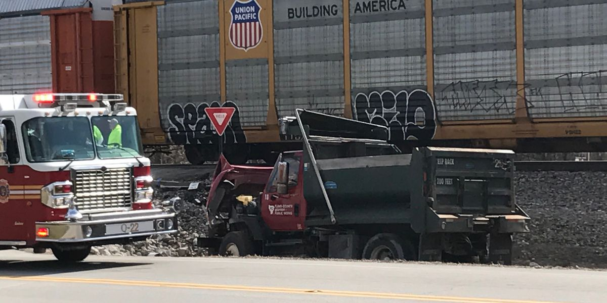 Train hit truck in southern Indiana, 2 injured