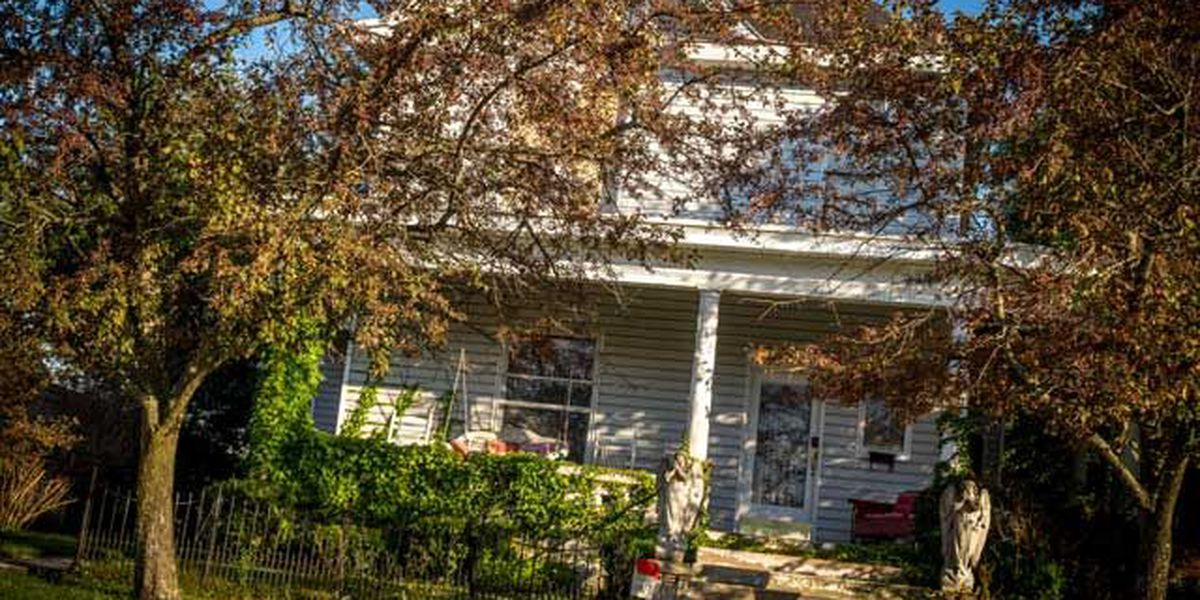 Owner of 'haunted' Indiana home says he doesn't fear the dead