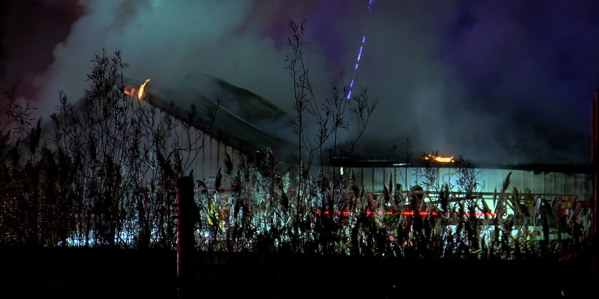 Crews battle overnight fire at auto supply building in South Louisville