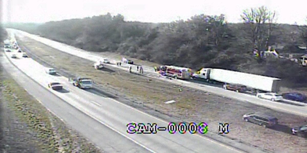Traffic Alert: Crews diverting drivers to Snyder Freeway from I-71 due to rollover accident