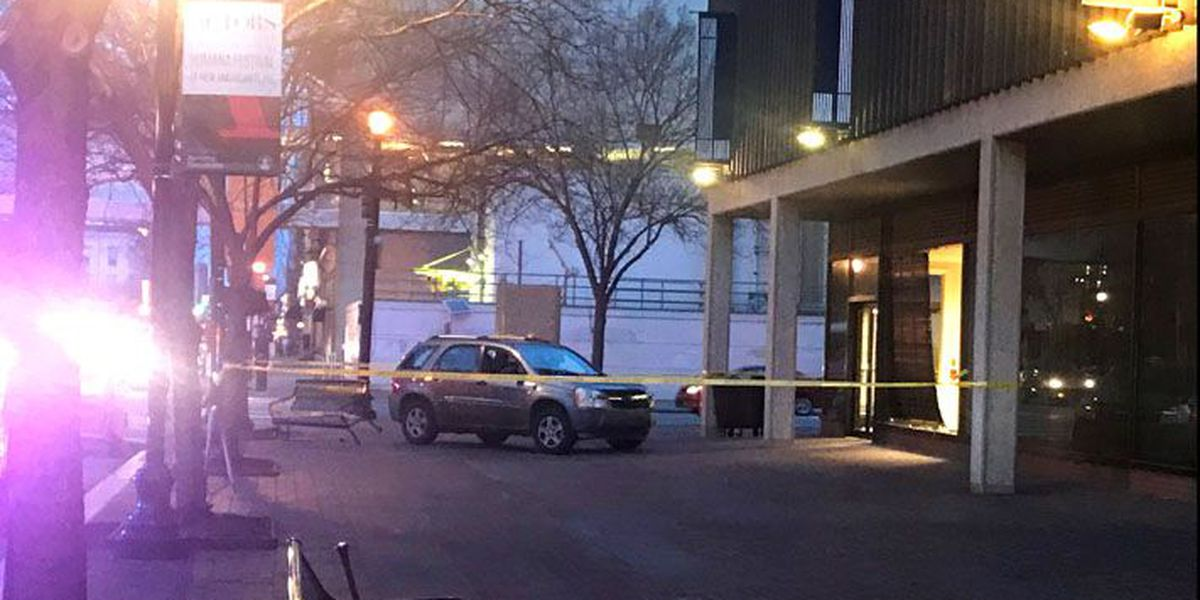 Car crashes into building at 4th and Main in downtown Louisville