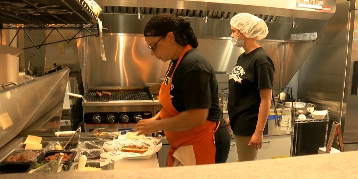 New hot dog restaurant showcases the American dream in Jeffersonville