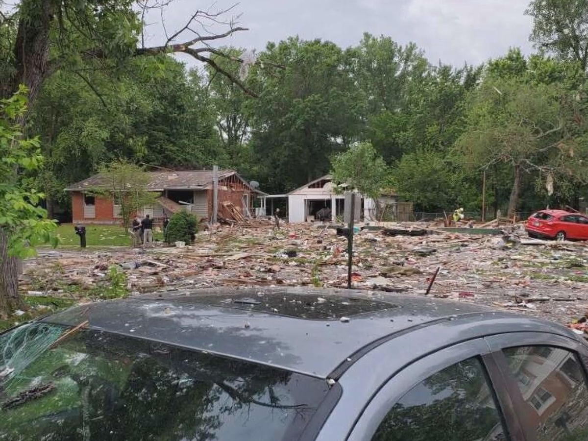 'We thought it was gun shots' -- Neighbors describe aftermath of home explosion in Jeffersonville
