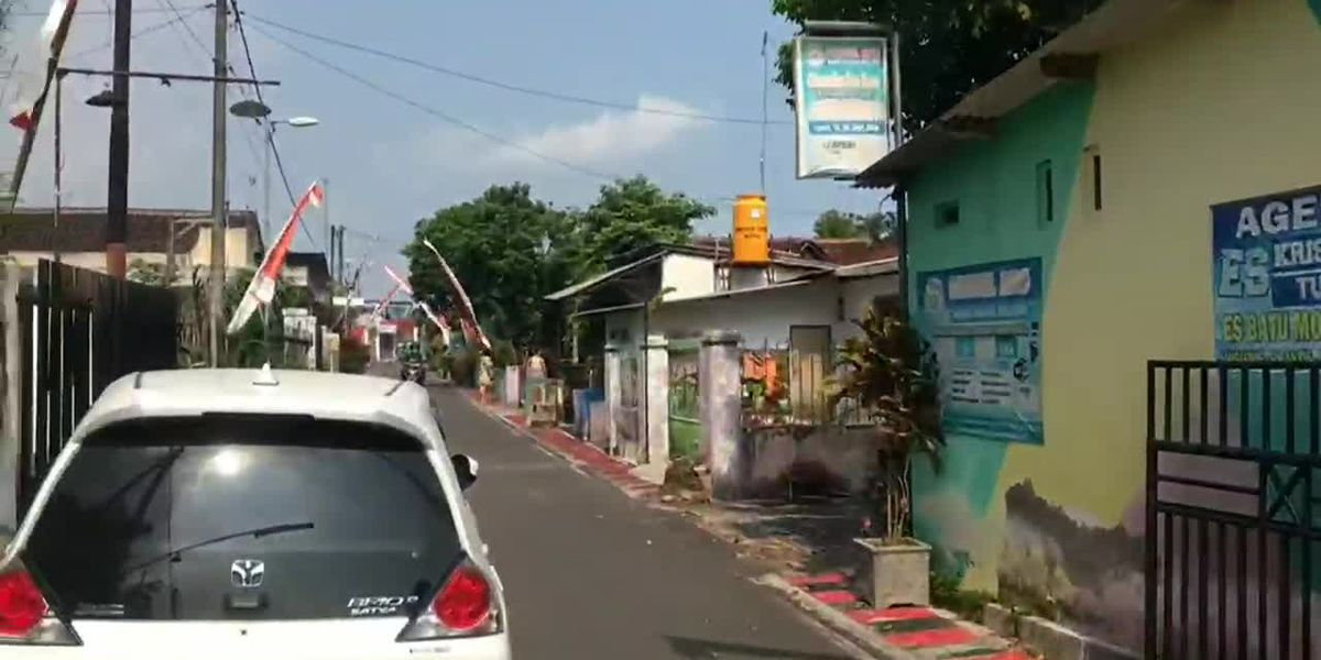 Indonesia quake kills 8 in Java, jolts Bali; no tsunami risk