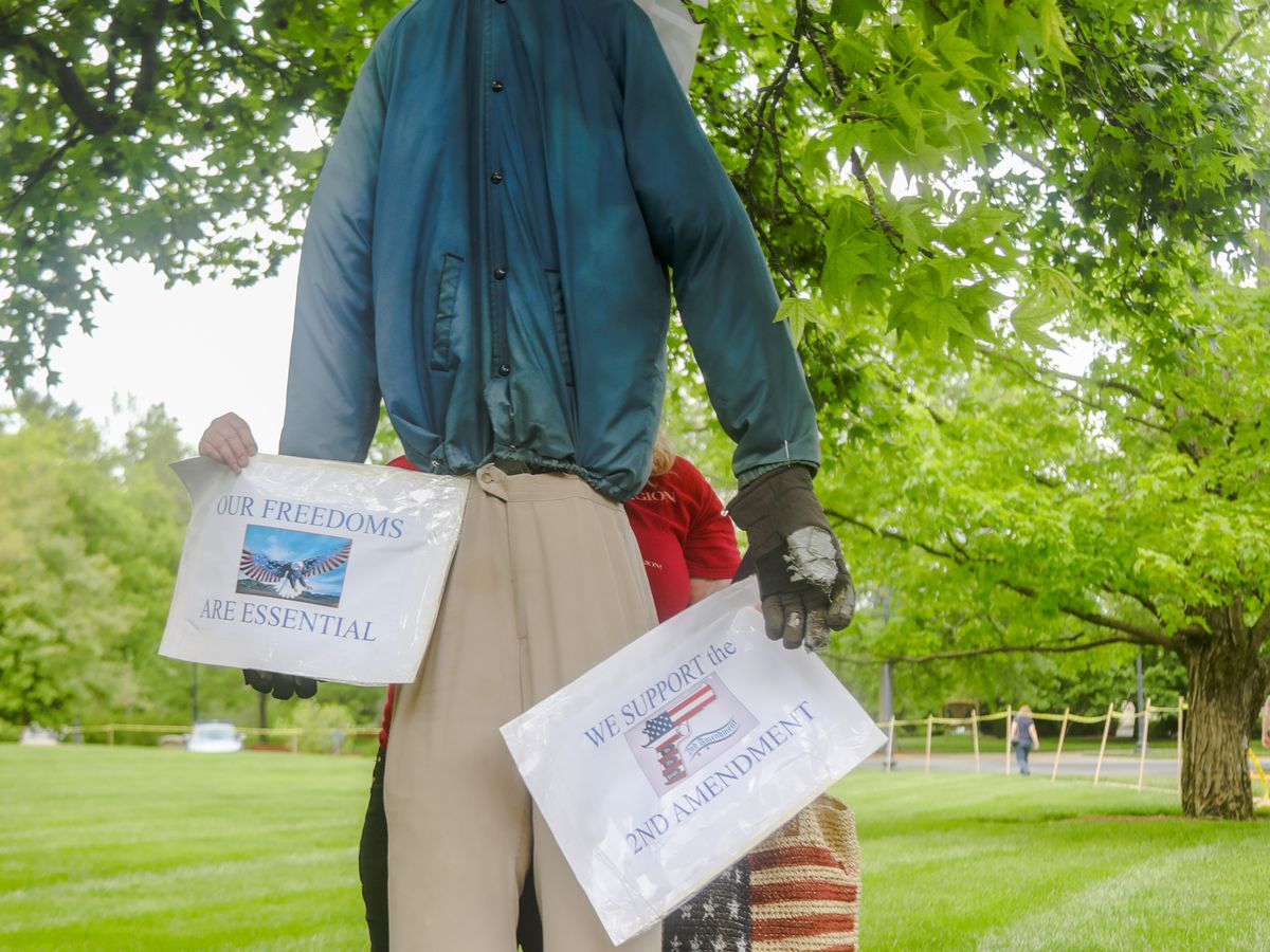 Gov. Beshear hanged in effigy at 2nd Amendment protest at Capitol