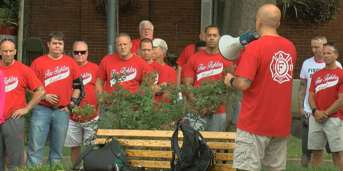 Firefighters rally against reduced fire station