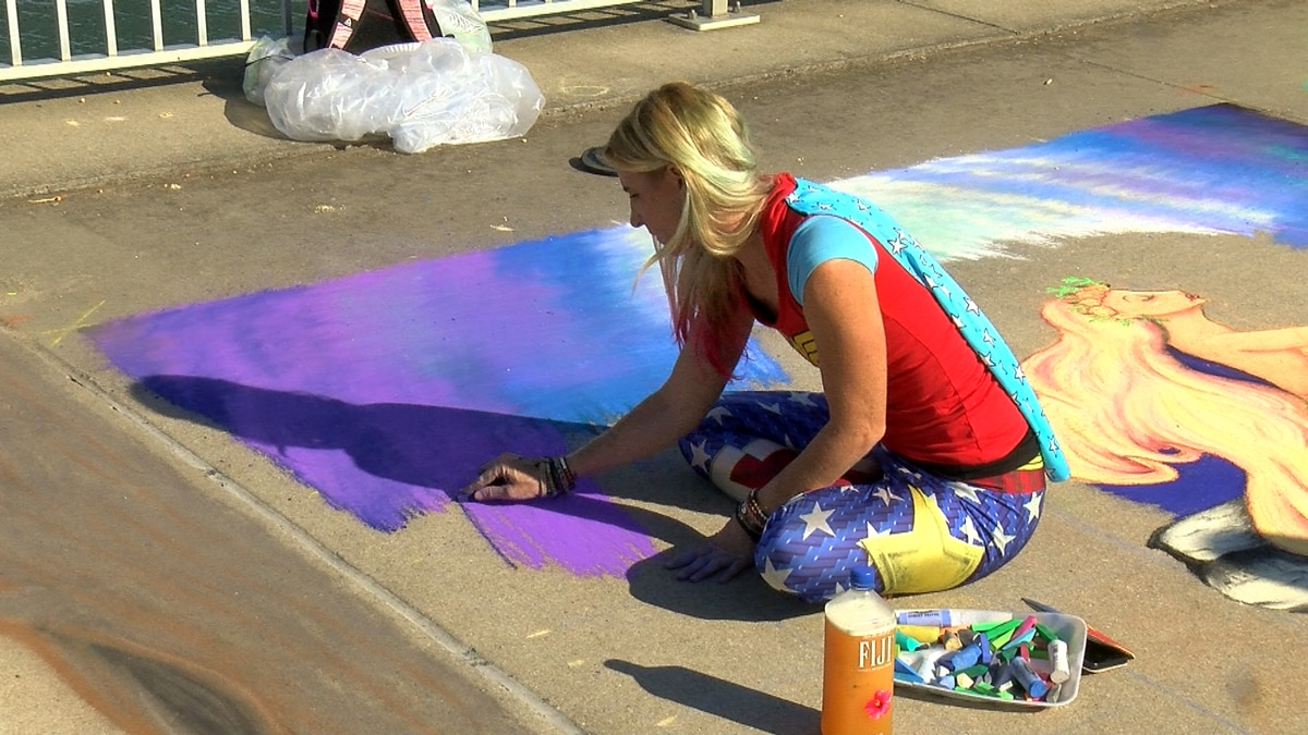 Street painting festival covers Waterfront Park with sidewalk chalk art