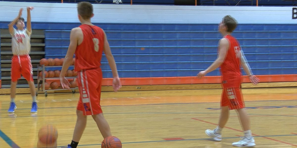 Silver Creek boys basketball semi-state bound