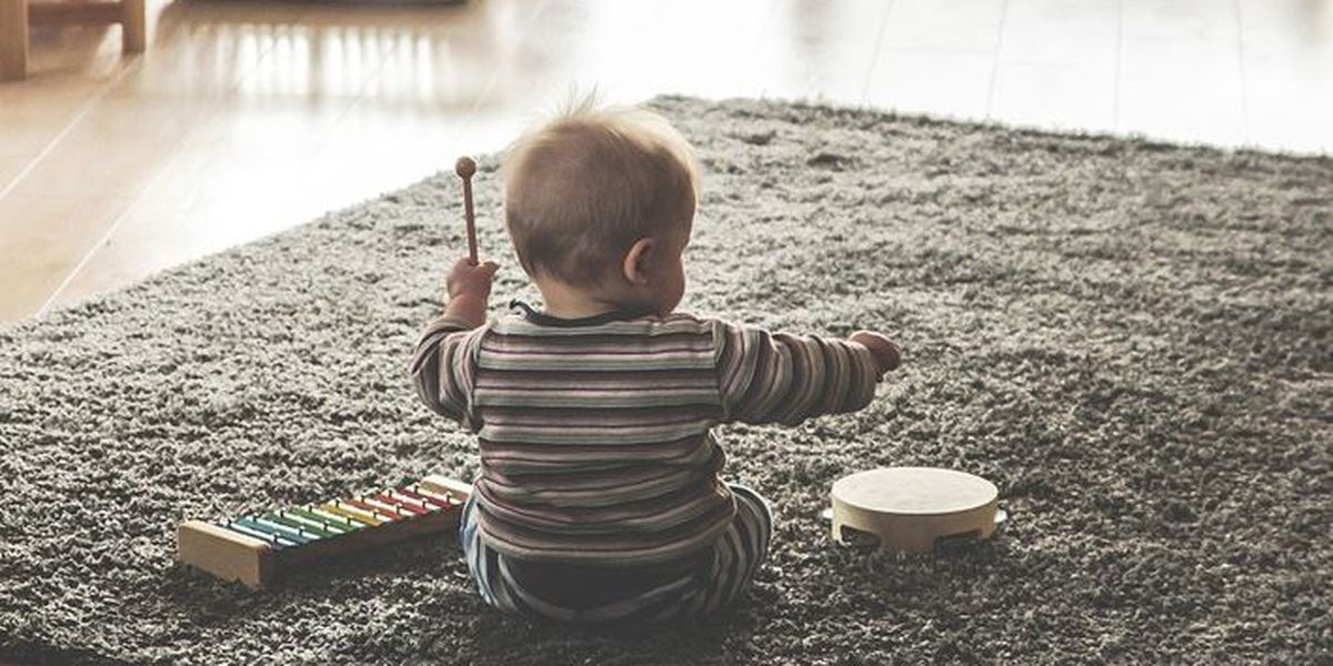 Babysitters charging $17 per hour to watch children as parents ring in 2019