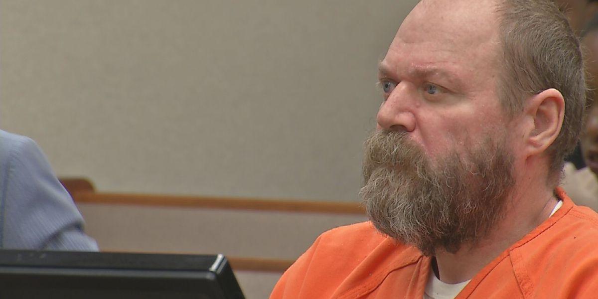 Man accused of killing 2 people in Kroger appears in court