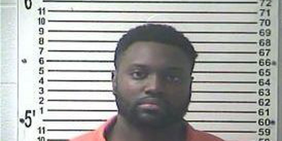 Louisville man arrested in Elizabethtown
