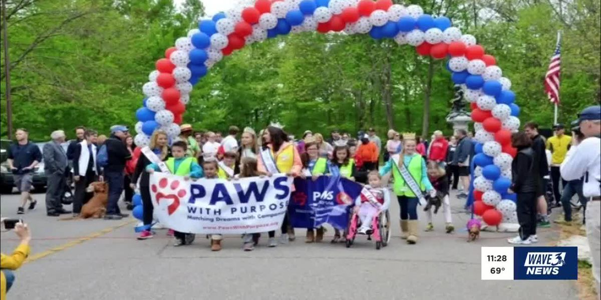 Two Area High School Seniors Raise Money For Paws With Purpose
