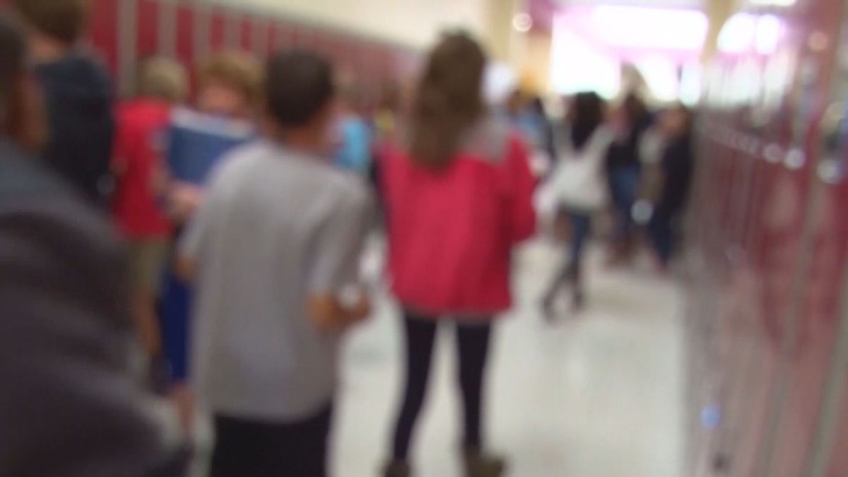 JCPS teachers prefer students keep their distance