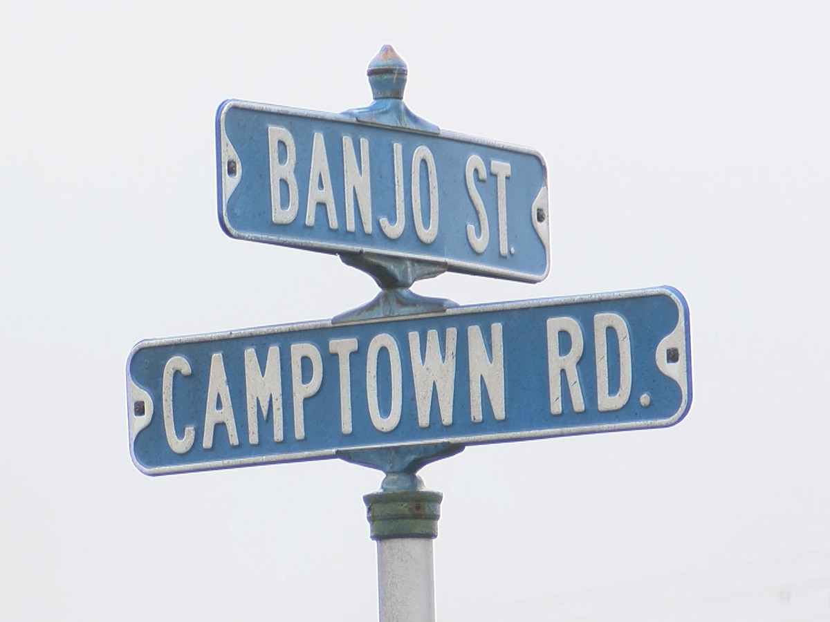 Bardstown police discover person of interest in deadly Camptown Road stabbing