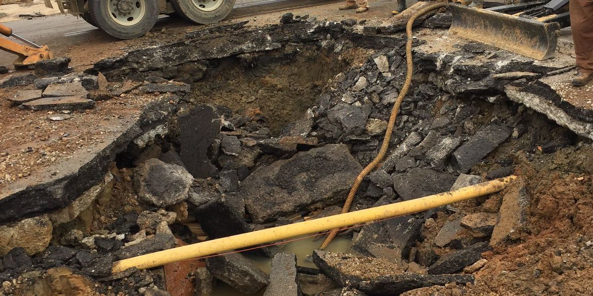 Louisville Water main breaks on Frankfort Avenue