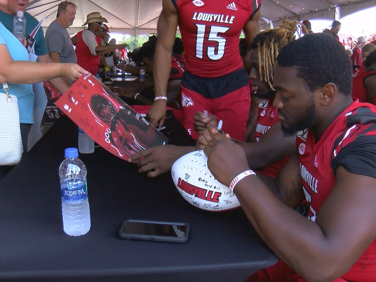 Cards fans crowd Cardinal Stadium for UofL Fan Fest