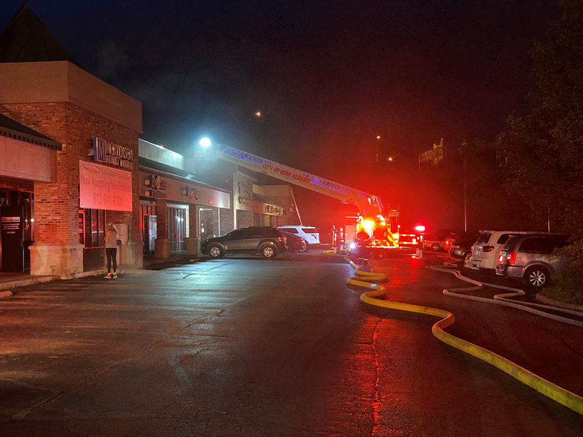 Fire shuts down newly re-opened New Albany businesses