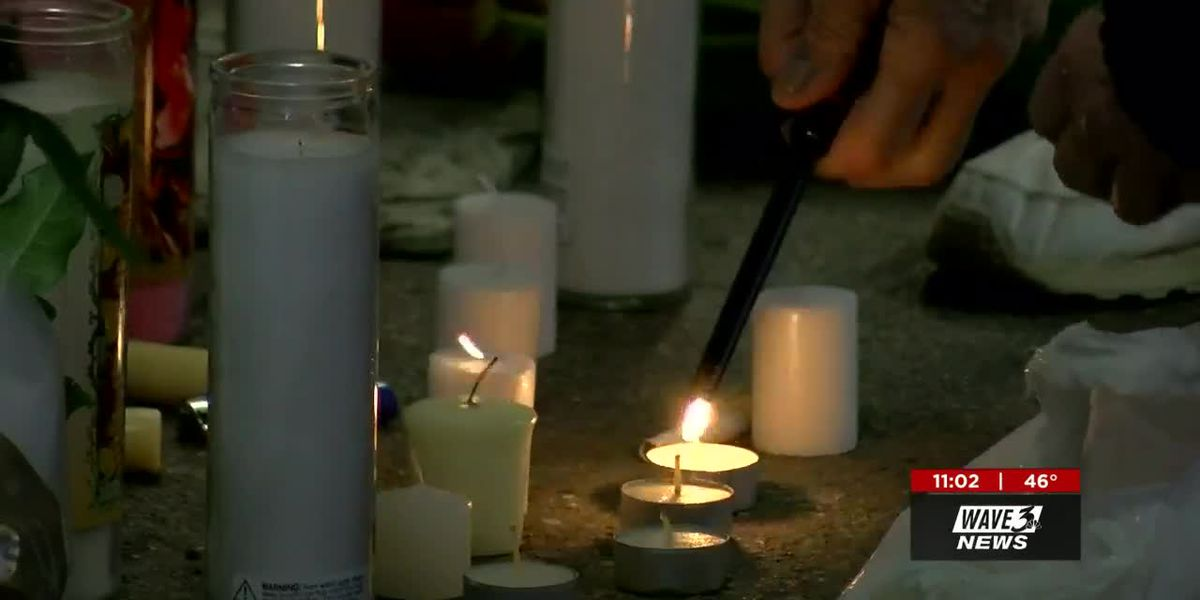 Elizabethtown community gathers to remember shooting victims