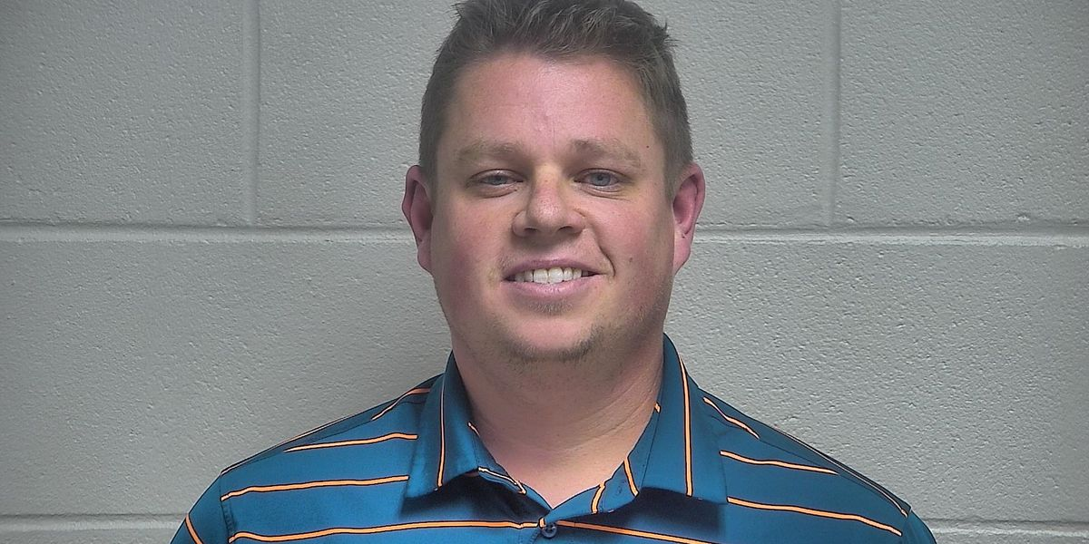 Kenneth Betts, former LMPD officer, pleads guilty to federal sex charges