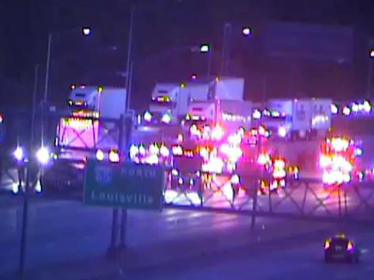 5 injured in fiery crash on I-65