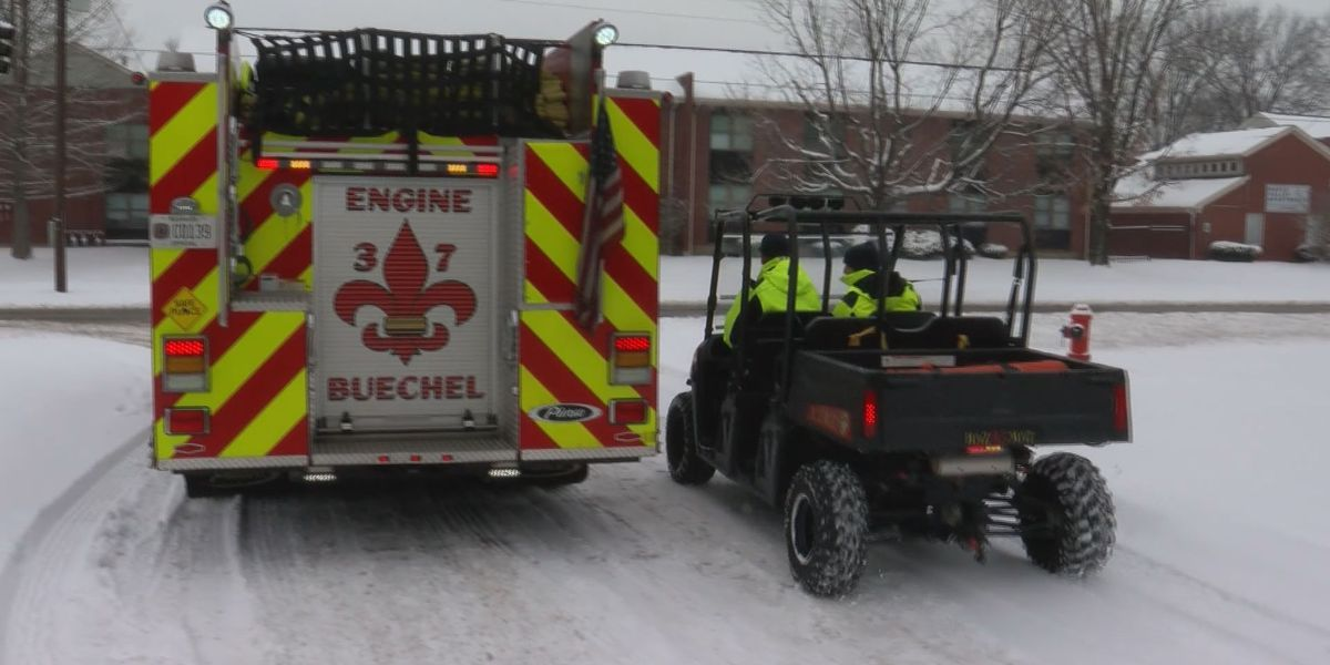 How WAVE Country firefighters, police respond in the snow
