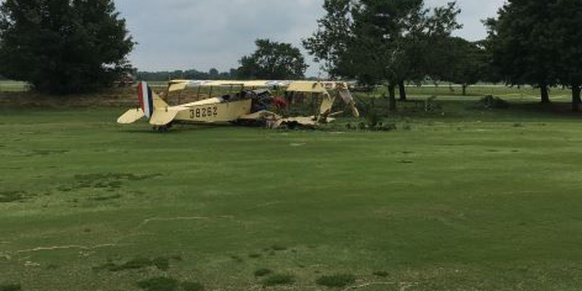 Plane crashes on golf course in Bowling Green