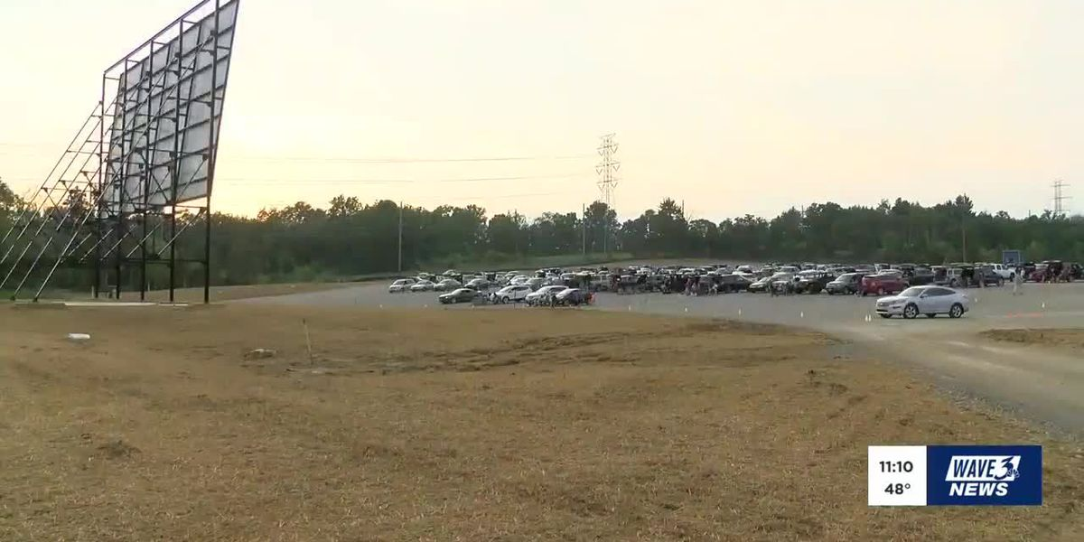 The show goes on at drive-in theater in Oldham Co.
