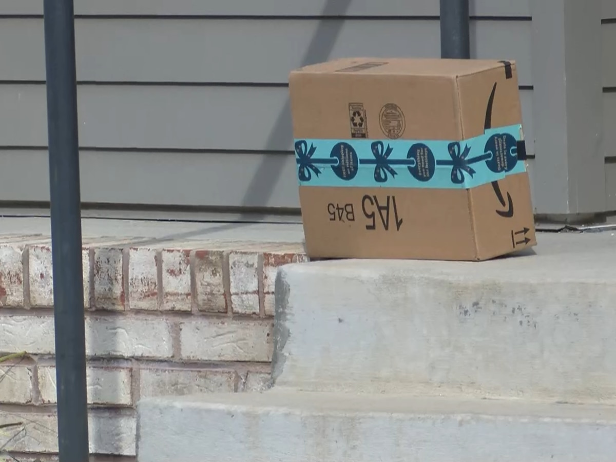 Accused porch pirates found with stolen items in car, arrested