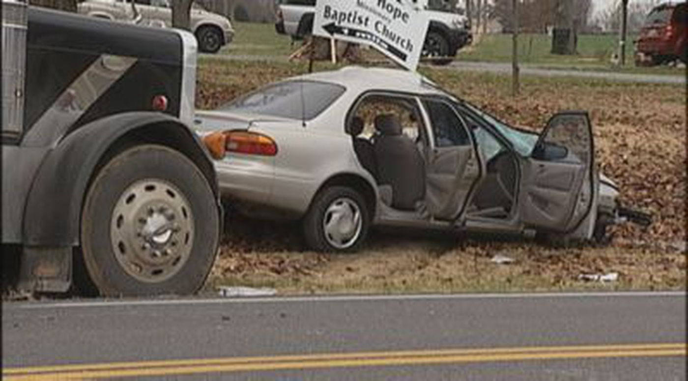 KY teen killed in crash with log truck