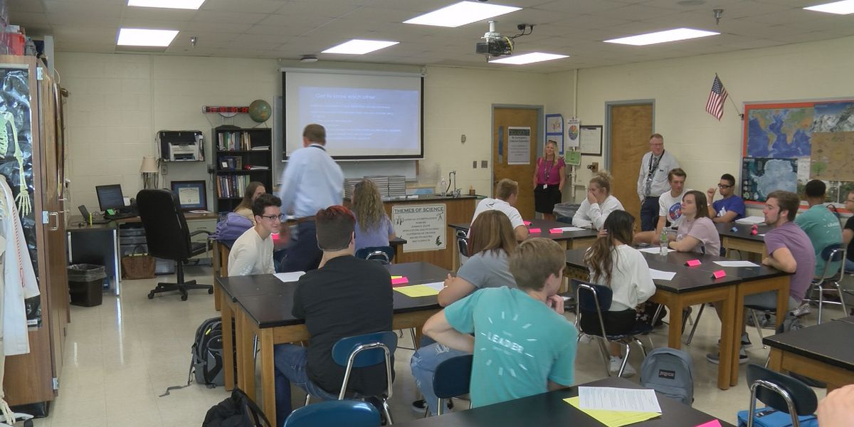 Oldham County goes back to school with a need for teachers