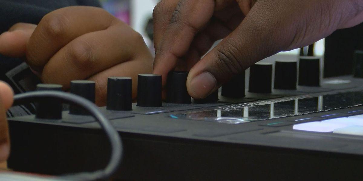 Teacher, students find success through 'hip hop' literacy program