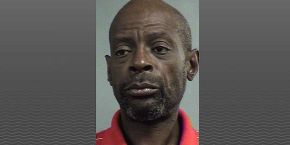 Man allegedly robs, threatens employees at Louisville bank