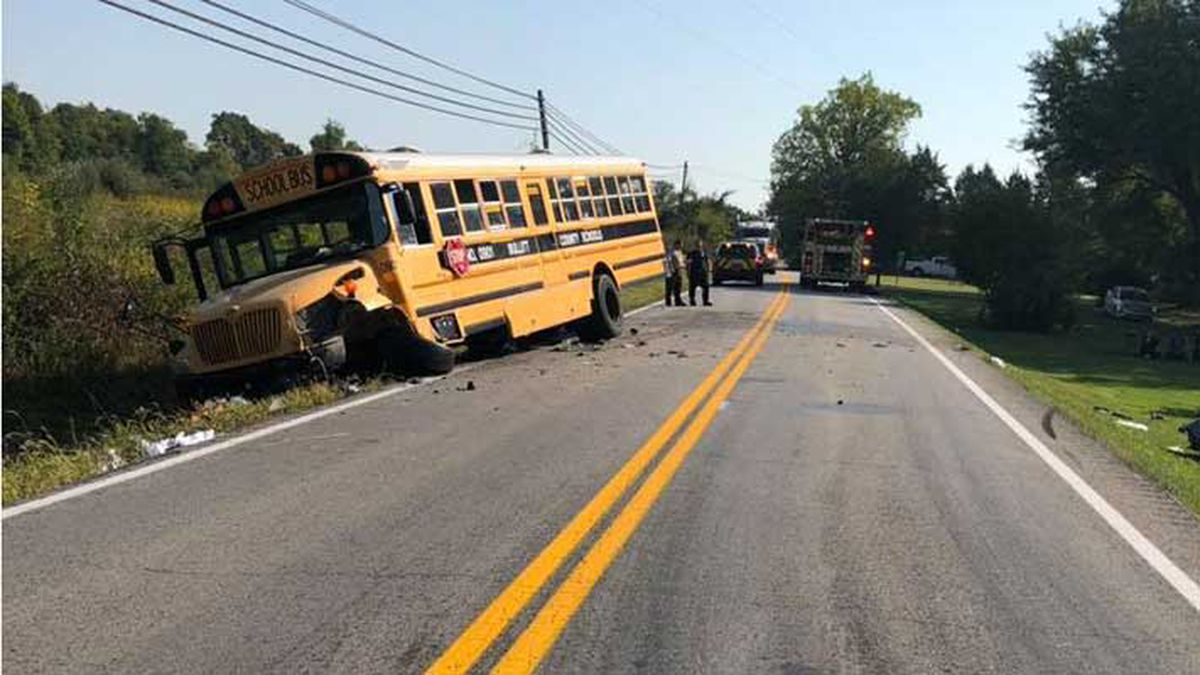 Injury crash involving unloaded school bus closes Highway 44 in Bullitt County